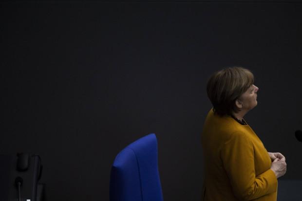 Merkel täuschte bei AstraZeneca: Tausende trotz Nebenwirkungen geimpft