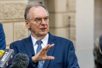 """Haseloff stellt sich gegen Merkel: """"Wir befinden uns bereits seit November in einem Lockdown"""""""