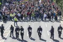 Corona-Demos: Politik will Eskalation – Polizei rechtfertigt Deeskalation