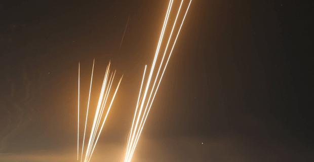 1.000 Terrorraketen auf Israel, in Deutschland wird Feuer an Synagogen gelegt
