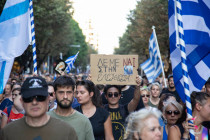 In Griechenland führt ein Arzt die Demonstranten gegen Corona-Maßnahmen an