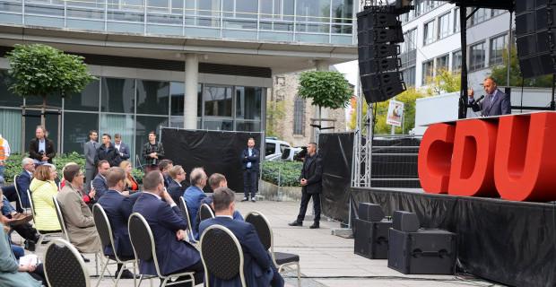 In der CDU revoltiert es ein wenig, aber nicht zu laut